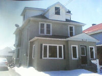 Gorgeous 2+ upper level with loft-***OPEN HOUSE Sun 26th ***