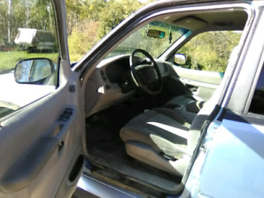 1997 Ford Explorer 4x4. SOLD