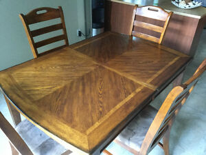 Wood dining table with extention and 6 chairs