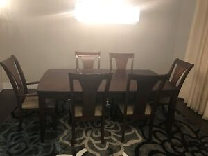 Excellent condition Dinning set