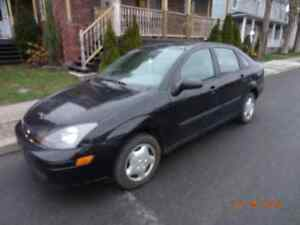 2004 Ford Focus LX Berline