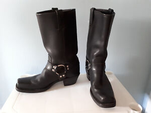 Women's Leather Frye Boot
