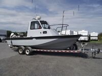 Boston Whaler Chalenger 27 pieds (2) Evinrude 150f 2008 21,000$