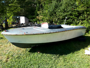 16ft Fiberglass Project Boat