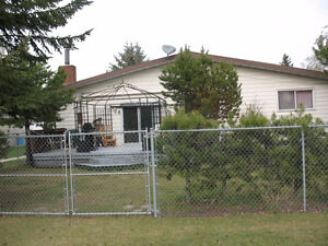 FULLY FURNISHED FAMILY HOUSE IN LEDUC