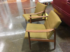 Vintage TEAK lounge chairs (2) - Starts at 1500EA, Negotiable