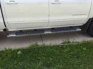 Chrome running boards for a 2016 Chev/GMC pick up crew cab Kitchener / Waterloo Kitchener Area image 2