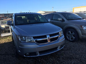 2009 Dodge Journey SXT SUV, Crossover( LOW LOW KMS )