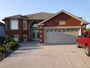 House for rent in South Windsor  Windsor Region Ontario image 1