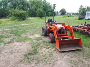 Kubota B1700 tractor