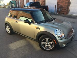 2010 MINI Mini Cooper in great shape, Automatic