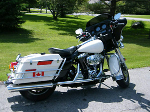 1999 88 twin cam Harley Davidson flh lots of extras.