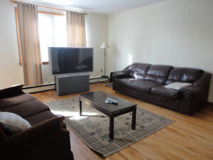 LIVE w/GREAT ROOM MATES in 4 BEDROOM/2 BATH WEST END FLAT