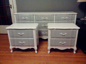 VINTAGE WHITE PAINTED 9 DRAWER DRESSER