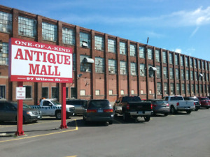 Canada's largest antique mall 1000 booths to explore