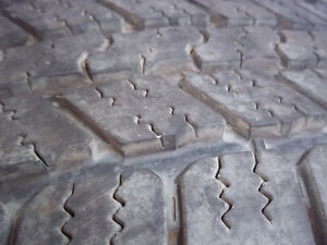 8 Bolt rim and tire for 3/4 or 1 ton chev / GMC Windsor Region Ontario image 4