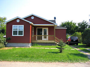 Discount Parlee Beach Cottage 3 BDRM Shediac WEEKLY/MONTHLY 2018