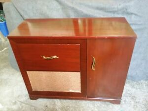 Fleetwood Stereo - radio and record player