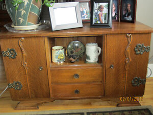 English antiques - display cabinet & 2 chest of drawers
