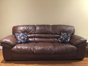Set of 2 leather couches