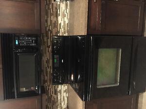 Black fridge /microwave/stove