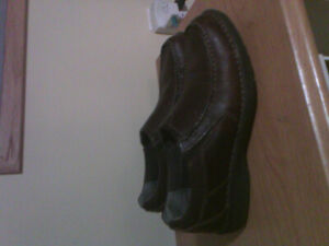 Clark's brown leather shoes....in excellent condition
