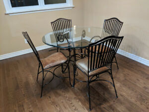 Almost new high-end household furniture for  quick sale