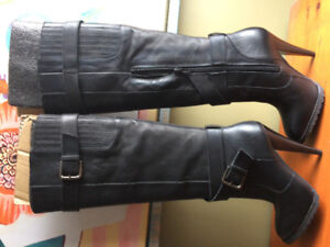 Brand New Never Worn Leather Ladies size 5 boots