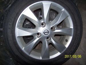 4 Mags original Nissan comme neuf pneus 205 - 55 -16  Farnham