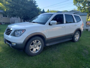 2009 Kia Borrego EX - SAFETIED