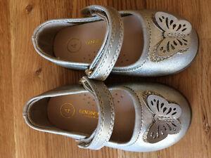 EUC, Toddler Size 4 Shoes, OshKosh