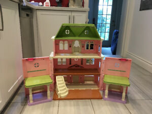 Dollhouse: Fisher Price Grand Victorian Loving Family with Twins