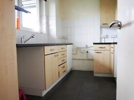3/4 BED Perfect for Students Amazing Location, Wood Floors