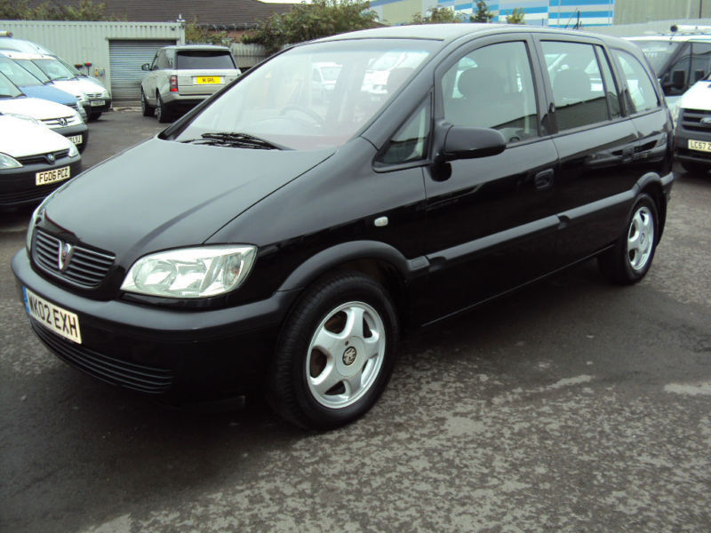 2002 vauxhall opel zafira 16v club black petrol car in leckwith cardiff gumtree. Black Bedroom Furniture Sets. Home Design Ideas
