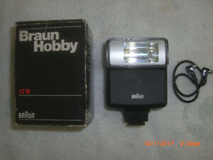 Braun Hobby 17B Camera Shoe Mount Flash Unit with Cable
