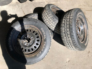 "Motomaster Total Terain w/t on 17"" rims (winter/hiver) 245/65-17"