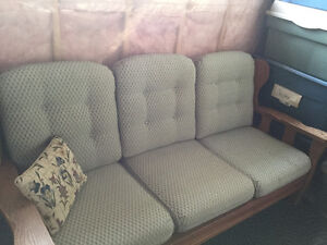 Solid wood sofa set Cornwall Ontario image 2