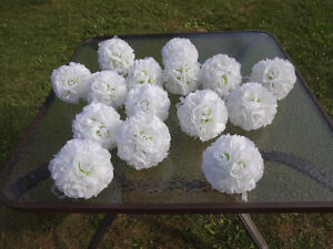 20 Pomanders - White with light green centre - Like New Cambridge Kitchener Area image 4