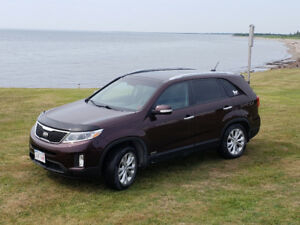 2015 Kia Sorento EX fully loaded