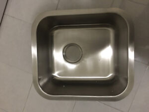 18 gage stainless steel sink brand new never installed
