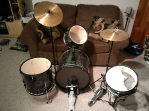 First Act Youth's Six Piece Drum Kit