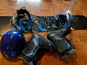 Blue & black Snowboard 152cm, bindings,boots, helmet