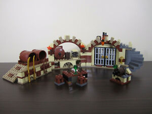 lego lord of the rings 79004 – BARREL ESCAPE 5 minifigures
