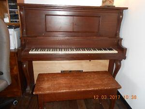 Piano mécanique antique
