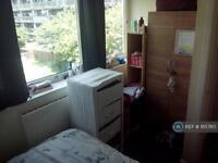 1 bedroom in Albany Road, London, SE5
