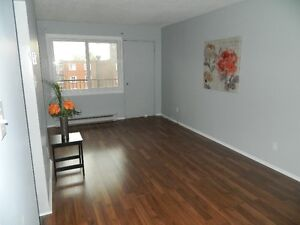 Beacon Hill Spacious Immaculate 2 Bdrm Condo - A 10