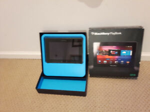 BlackBerry PlayBook 32GB, Wi-Fi, (almost new comes with origbox)