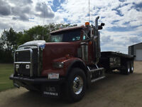 1995 Freightliner Bed truck MINT CONDITION