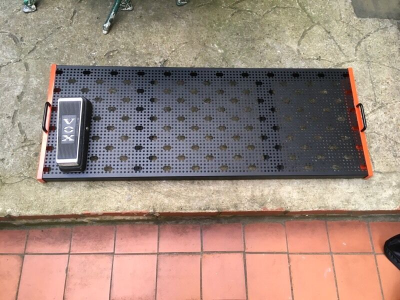 temple audio pedal board trio 43 carrying bag like new bargain in victoria london gumtree. Black Bedroom Furniture Sets. Home Design Ideas