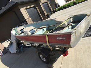 FOR SALE 14 FOOT ALUMINUM BOAT WITH 15HP MERCURY